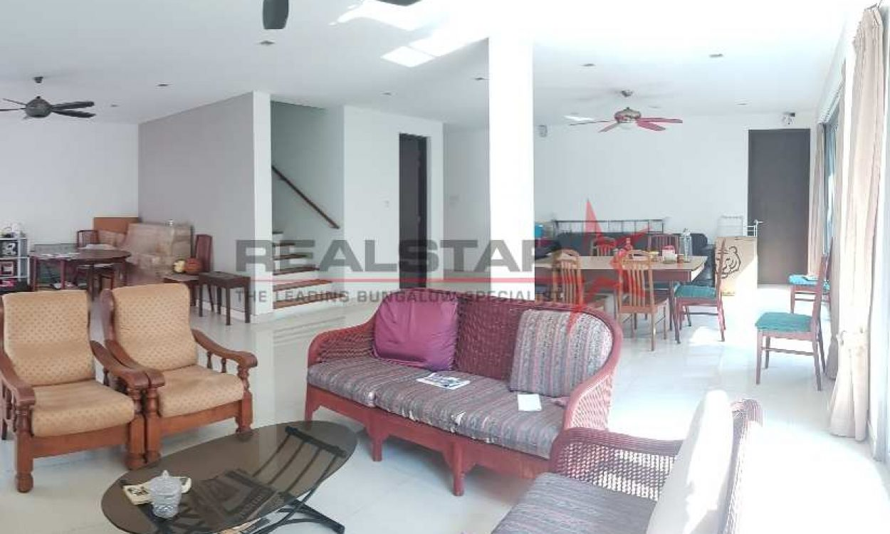 RS EXCLUSIVE! Corner Semi Detached @ Keris Estate