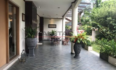 *Rare GCB with 2 frontage* Finest Mansion coupled with the best locale