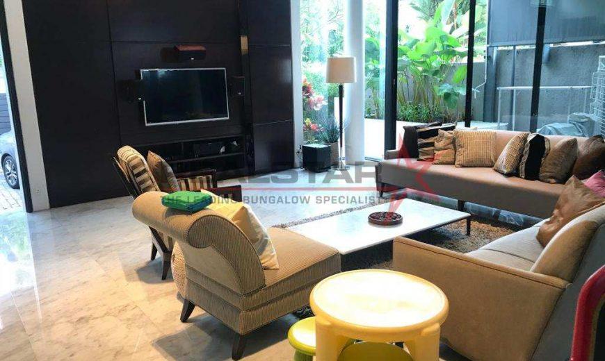 Designer Home @ Linden Dr !