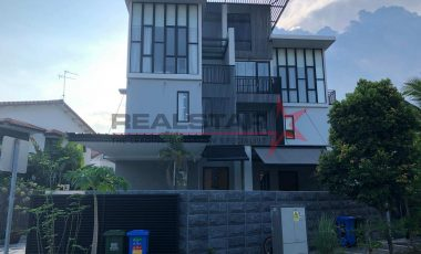 Good & comfortable living Semi-Detached in Siglap vicinity